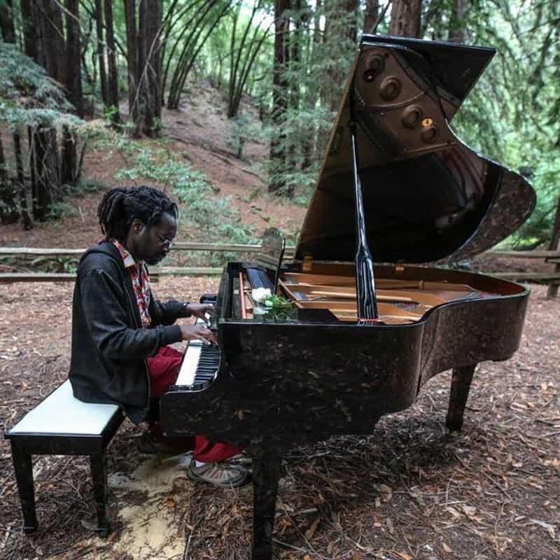 kevin_piano